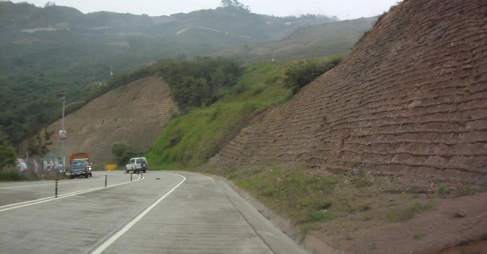 https://flic.kr/p/drmoX2   Carretera de Mamera a Junquito ,Distrito Capital , Venezuela   Carretera de Mamera a Junquito ,Distrito Capital , Venezuela