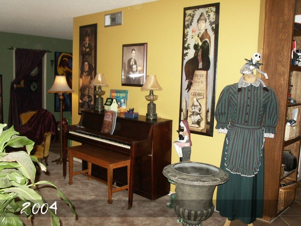 Early On In The Collectingdecorating With Haunted Mansion Interesting Haunted Mansion Dining Room Decorating Inspiration