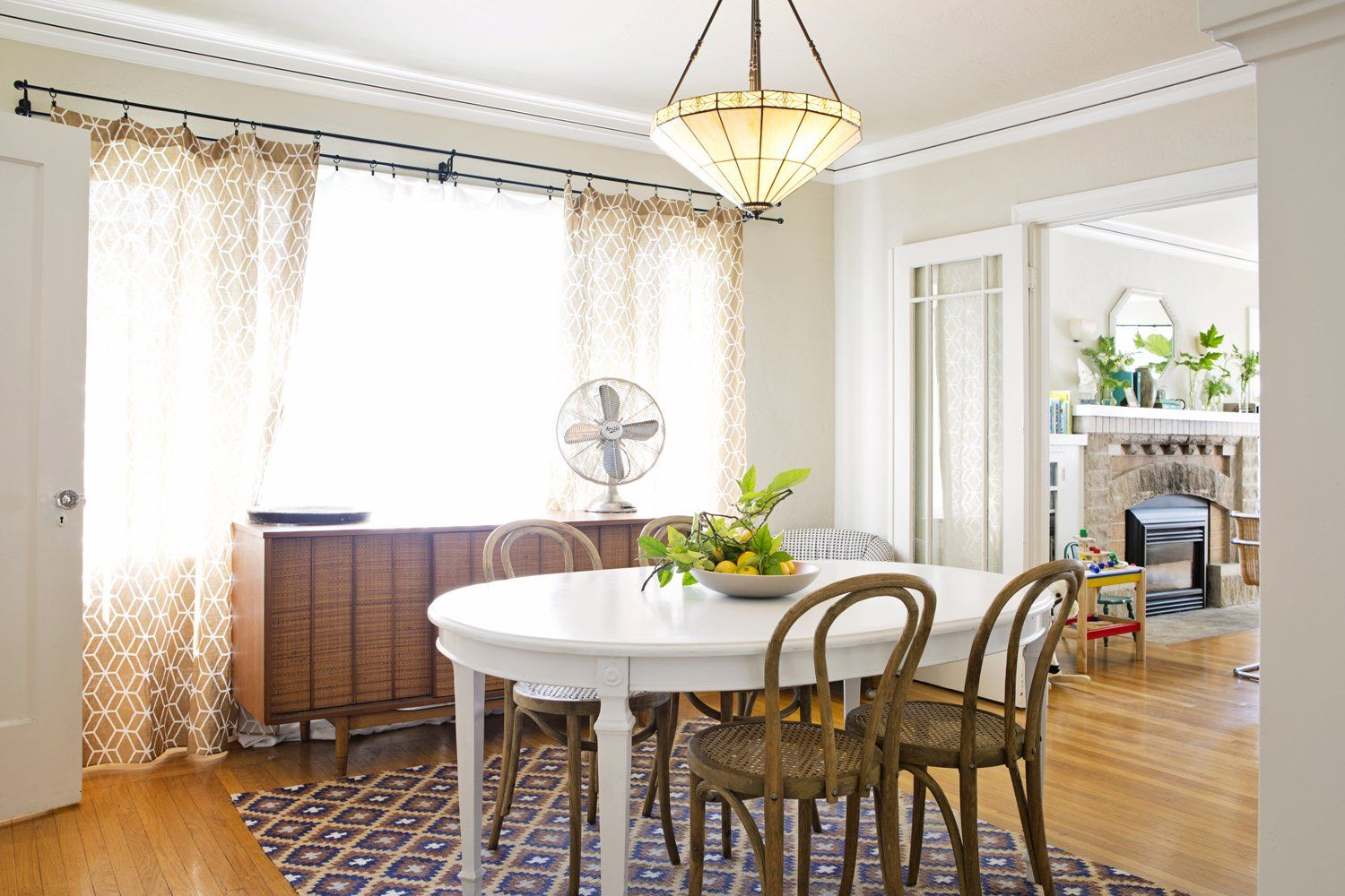 Paint Colors That Match This Apartment Therapy Photo SW 6033 Bateau Brown 6069 French Roast 6116 Tatami Tan 6073 Perfect Greige 7626 Zurich