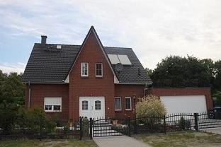 Friesenhaus Bauen Mit Einer Garage Www Hauserbauen Net