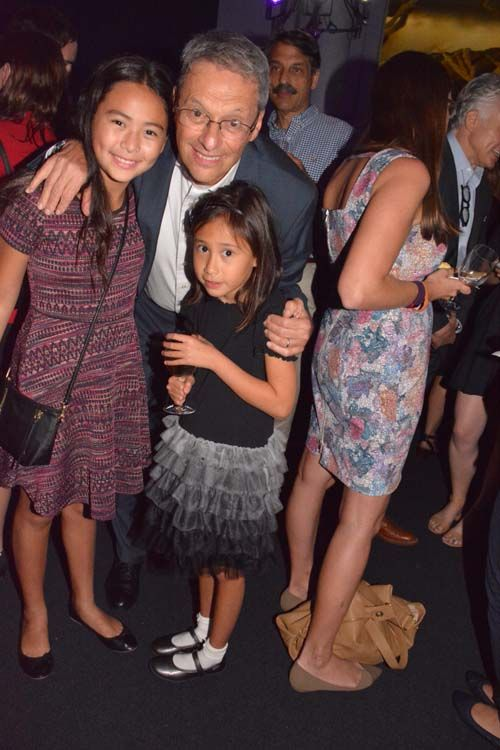 http://blacktiemagazine.com/society_september_2016/Years_of_Living_Dangerously_World_Premiere.htm  David Gelber, (Executive Producer) and his daughters.  Photo by:  Rose Billings/Blacktiemagaizne.com