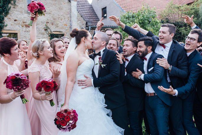 Traumhochzeit Mit Zarter Farbpalette Rebekka Christian Feierten Eine Open Air Hochzeit Kleid Hochzeit Hochzeit Brautjungfern