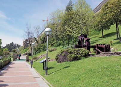 Parque del agua pinteres for Lagunas artificiales para jardin