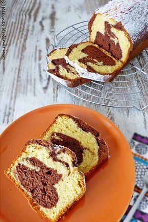 Nicht ganz klassischer Marmorkuchen mit Saurer Sahne im Teig. Dadurch wird der Kuchen noch saftiger und trocknet garantiert nicht aus