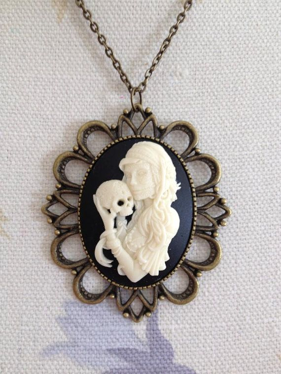 Lg Cameo Pendant Necklace by ItsSewMeEtsy on Etsy, $15.00