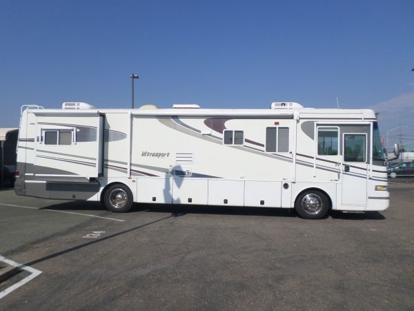 Rv For Sale 2001 Damon Ultrasport Diesel Pusher 38 In Lodi Stockton Ca Large Fridge Freezer Rv For Sale Living Room Tv