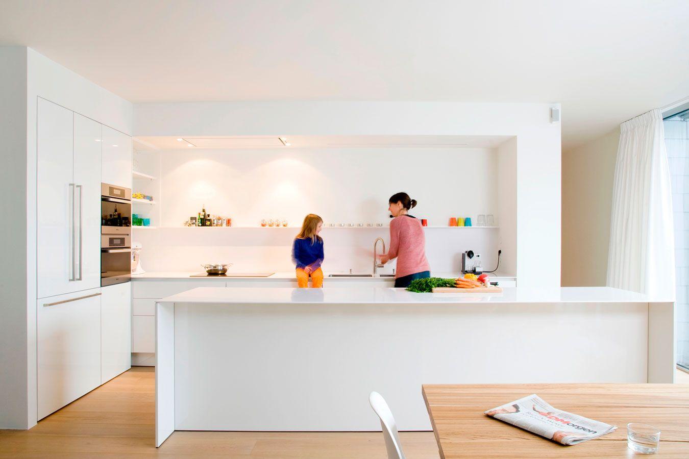 Luxury detail van werkbladdampkap en dun werkblad de keukenarchitecten antwerpen de keukenarchitecten eigen realisaties Pinterest Interiors