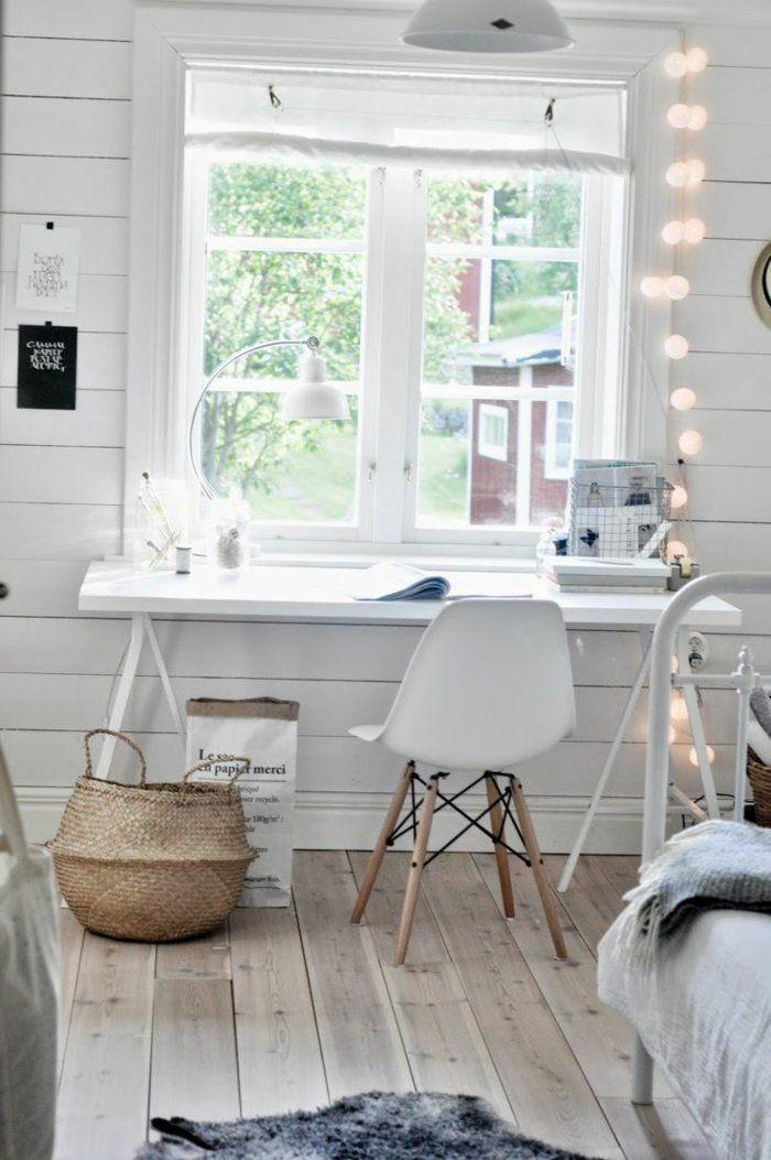 Schreibtisch am Fenster helle Schlafzimmer-Atmosphäre Interior - schreibtisch im schlafzimmer