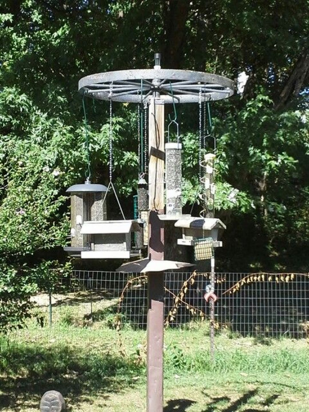 Gorgeous 7 Bird Feeding Station Ideas That Many Birds Come Into Your Garden Vogel Voeder Tuin Voederhuizen