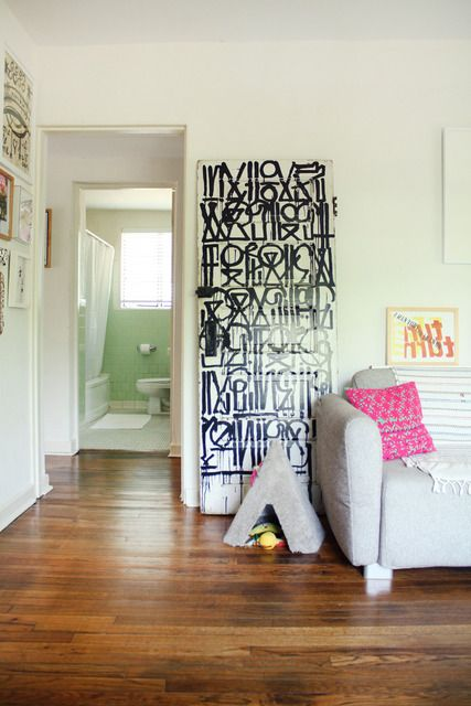 Amber's Art-Filled Austin Apartment House Tour | Apartment Therapy