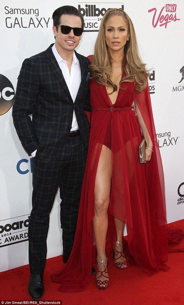 Jennifer Lopez Secretly Planning 3million Wedding To Casper Smart The PlannerWedding