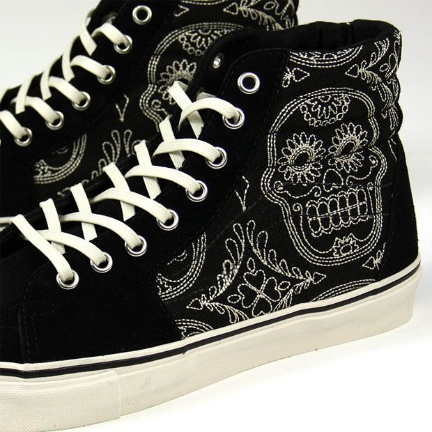 ffe53f1bf06d day of the dead vans - Google Search