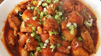 Spicy braised chicken (Dakbokkeumtang: 닭볶음탕) - YouTube