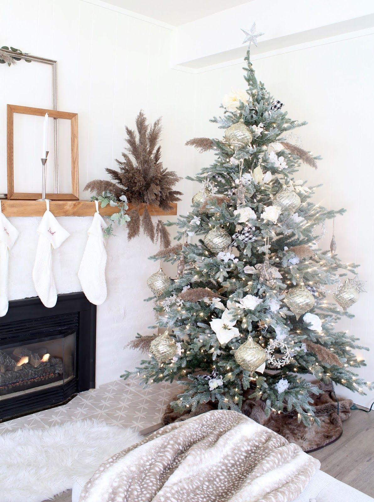 Harlow Thistle Home Design Lifestyle Diy Nordic Christmas Decorating Ideas Holiday Decor Christmas Scandinavian Holiday Decor Nordic Christmas Decorations