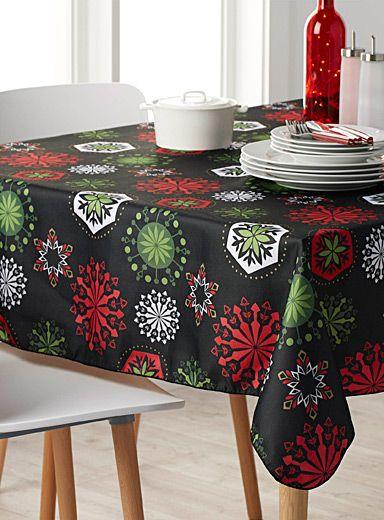 Sensational snowflake tablecloth   Simons