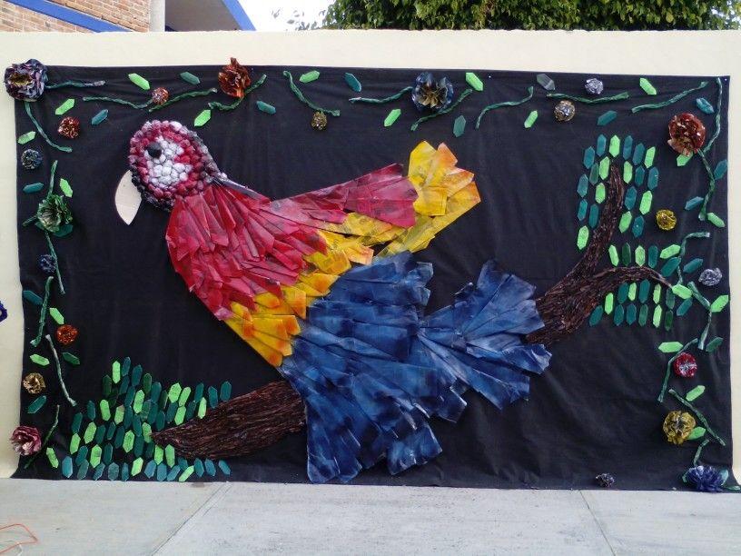 Mural de primavera con material reciclado peri dico for Materiales para pintar un mural
