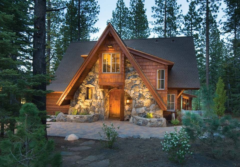 Love The Stone Front Log Cabin Cozy Pinterest