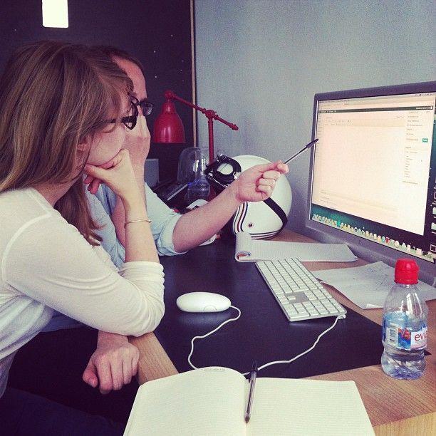 Quand @Faustine Kopiejwski fait semblant de comprendre le concepteur de notre site @Benjamin Pottier #cheekmagazine #cheek