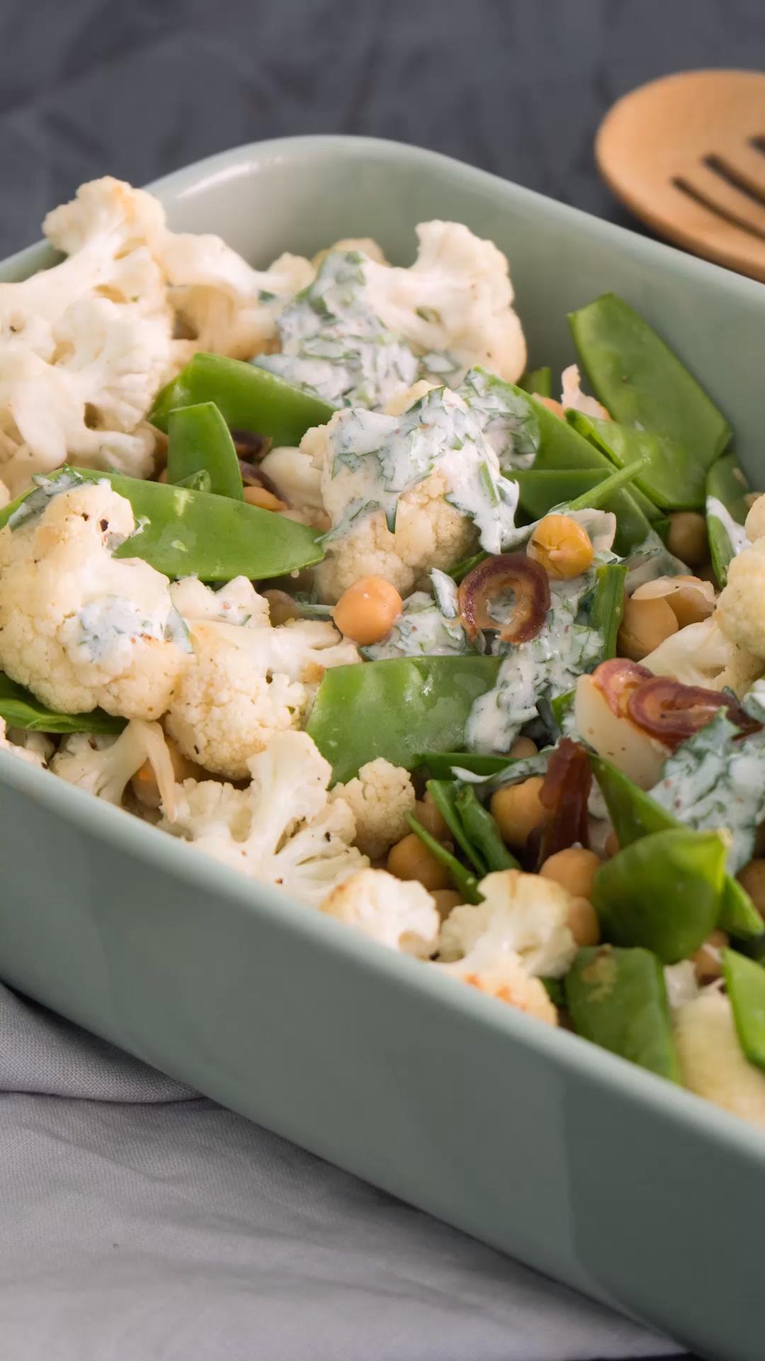 Photo of Blumenkohl-Salat mit Kichererbsen