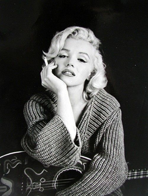 Marilyn Monroe Black And White Cigarette Beauty Vintage Icons