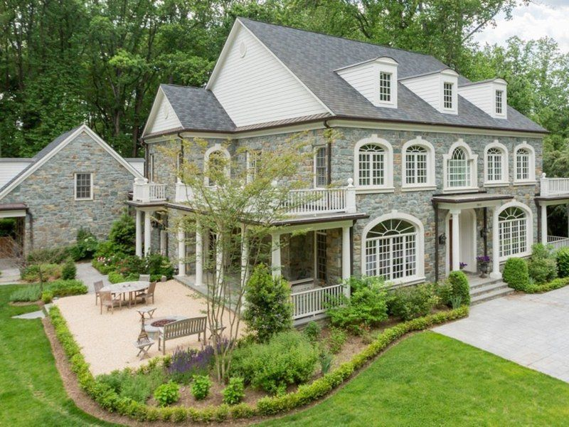 Mclean Wow House Nearly 10 000 Square Foot Home On More Than An Acre House Exterior House Home