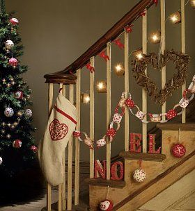 Ideas for decorating the hallway stairs christmas ideas - How to decorate stairs for christmas ...
