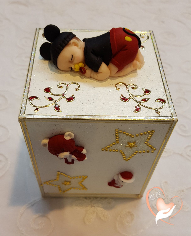 Tirelire bébé garçon Mickey- au coeur des arts de la boutique AuCoeurDesArts sur Etsy