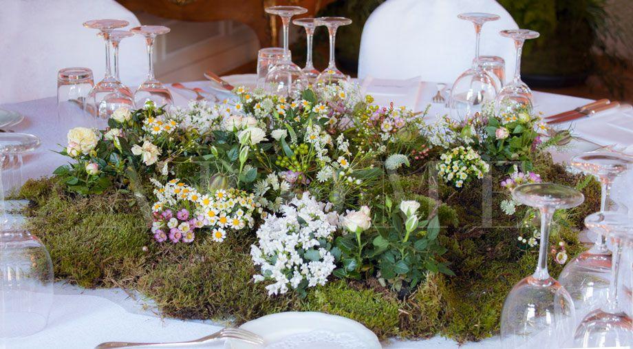 fleurs-de-mariage-centre-de-table-jardin-mousse-mariage-fleurs ...