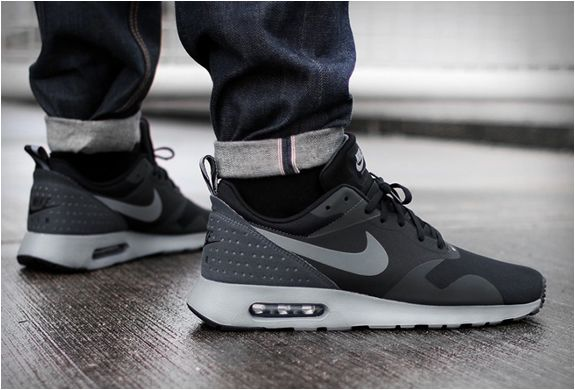 italy nike air max tavas black on foot ff275 59023