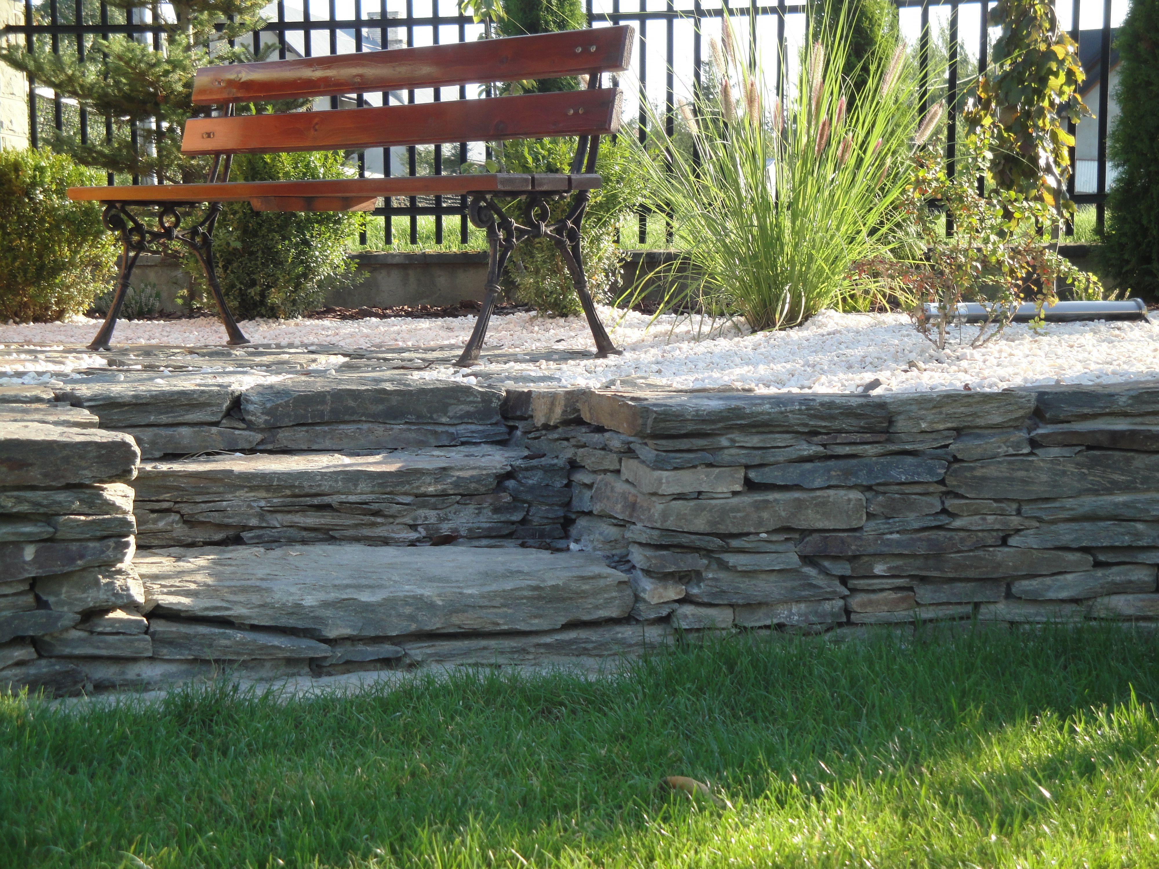 Suchy murek z łupka/Garden wall made of slate   Kamień ogrodowy ...