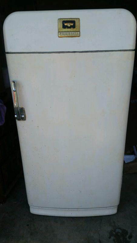 Vintage Rare Retro 1952 Frigidaire Gm Refrigerator Antique Ice Box Refrigerator Ice Box