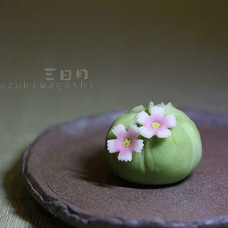 三日月 和菓子おじさん mikazukiwagashi foto e video di instagram 和菓子 ねりきり 果子