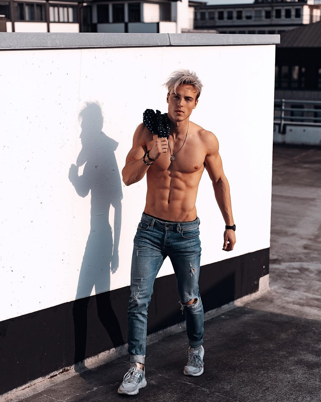 Hagen Richter S Instagram Photo No Shirts Are The Best Shirts Staystrong Focus Vibes Veins Abs Sixpack Model Fitnessm