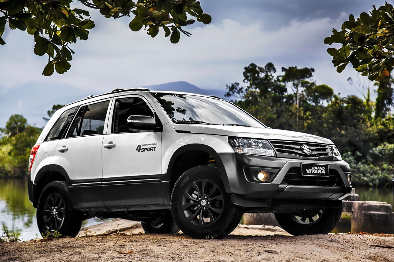 2015 suzuki grand vitara 4sport front three quarter right press image