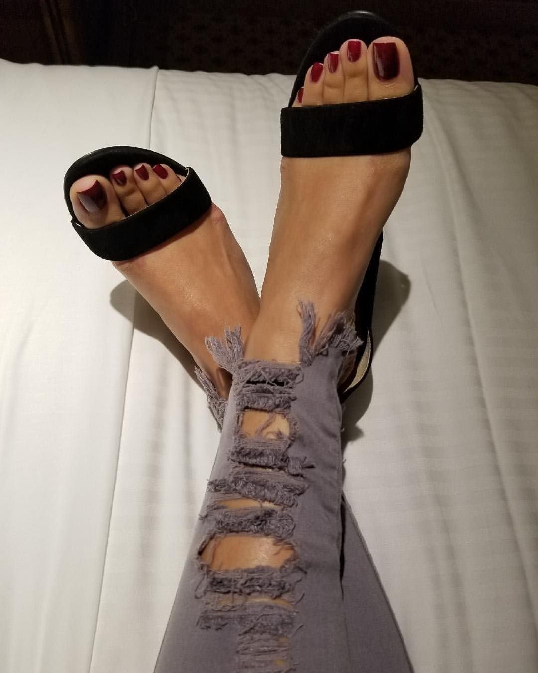 Pin on Pretty toes :)