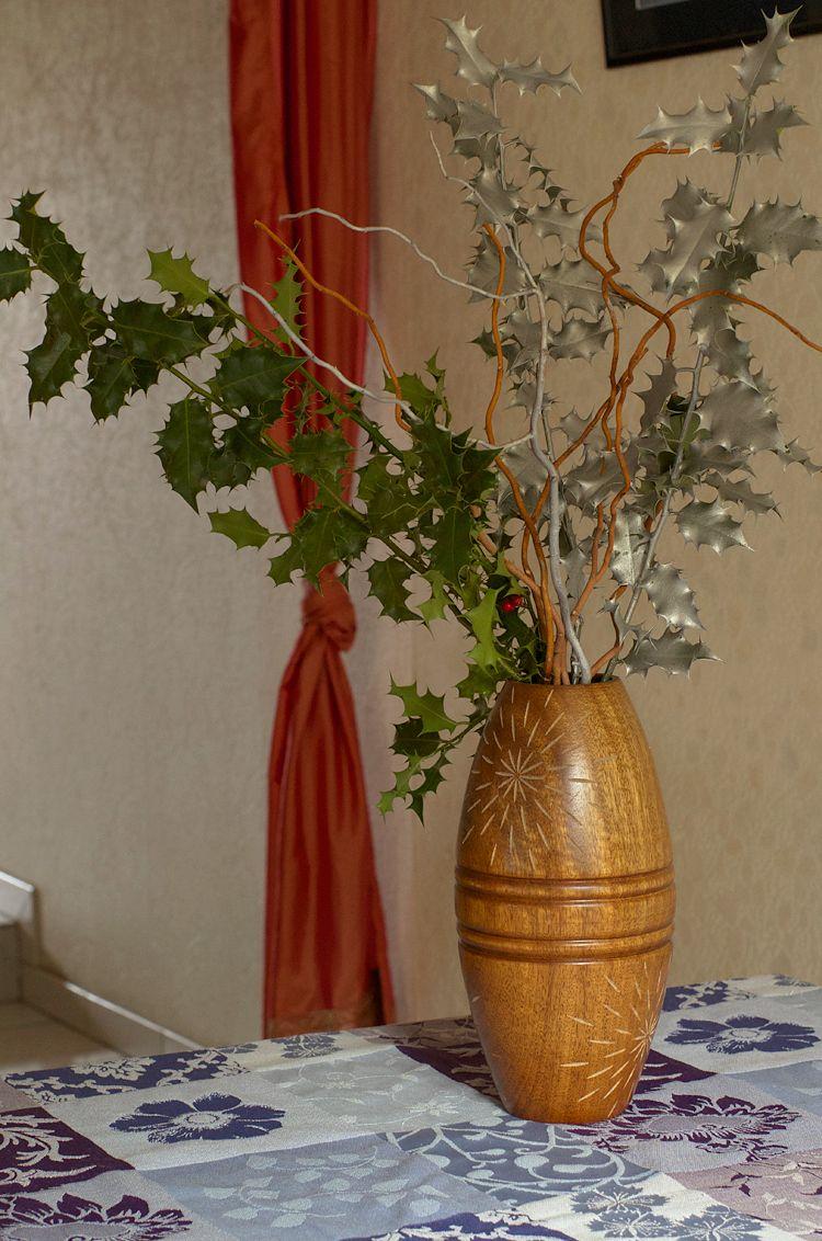 Bouquet De Noel Avec Du Houx diy : faire un bouquet de houx pour noël avec des branches