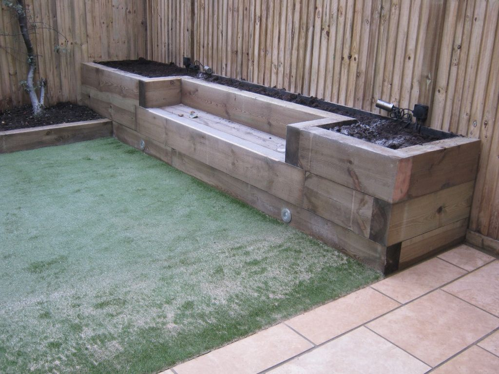 Railway sleepers garden gurus landscape gardening in for Amenagement jardin 974