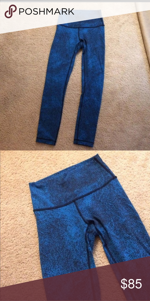 4733604b4e Lululemon High Rise Wunder Under leggings Speckled blue and black high rise  Wunder Under leggings. Size 4. Full length and Worn once with no signs of  wear.