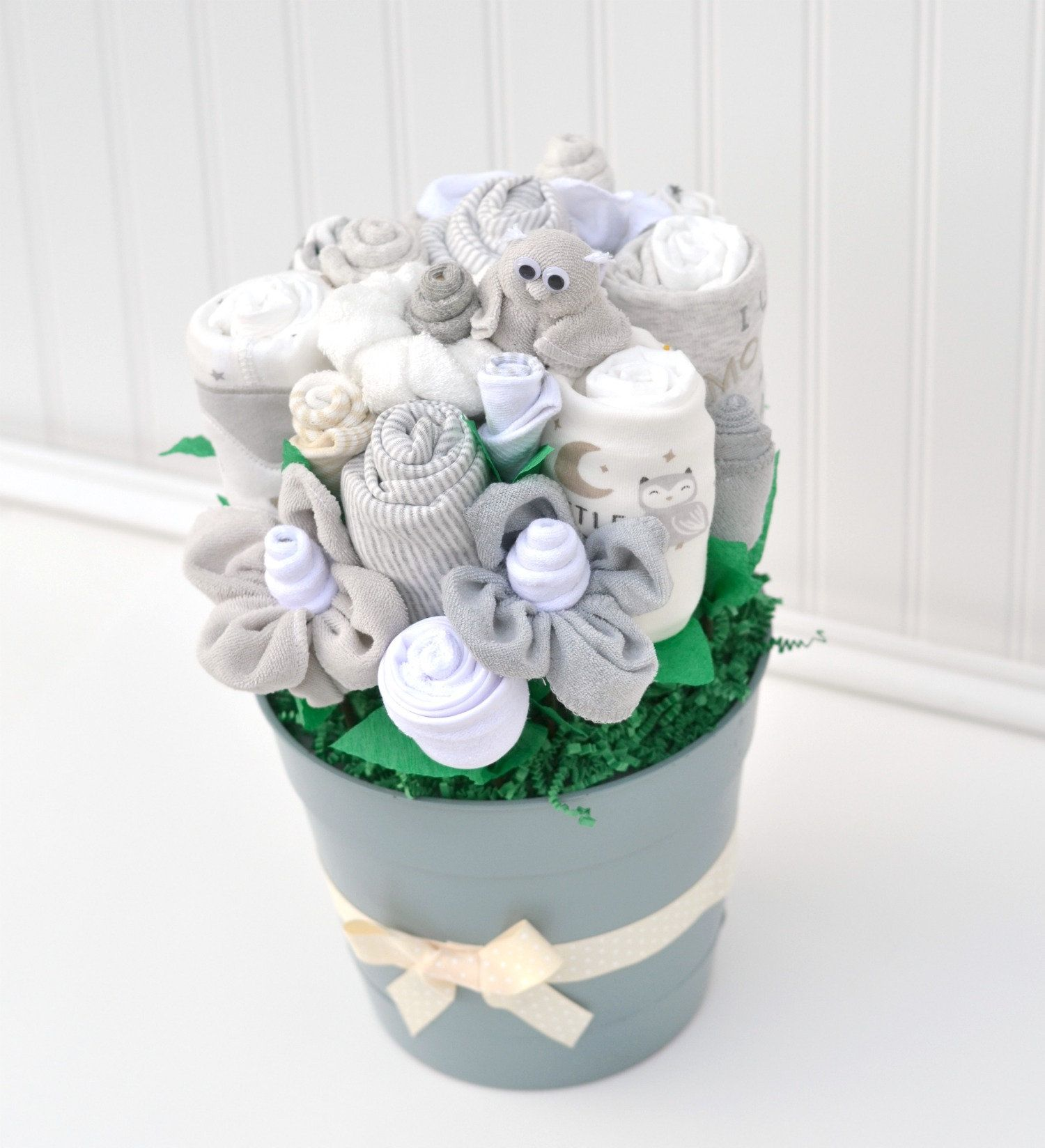 Unique idea for a gender neutral baby shower gift. Baby