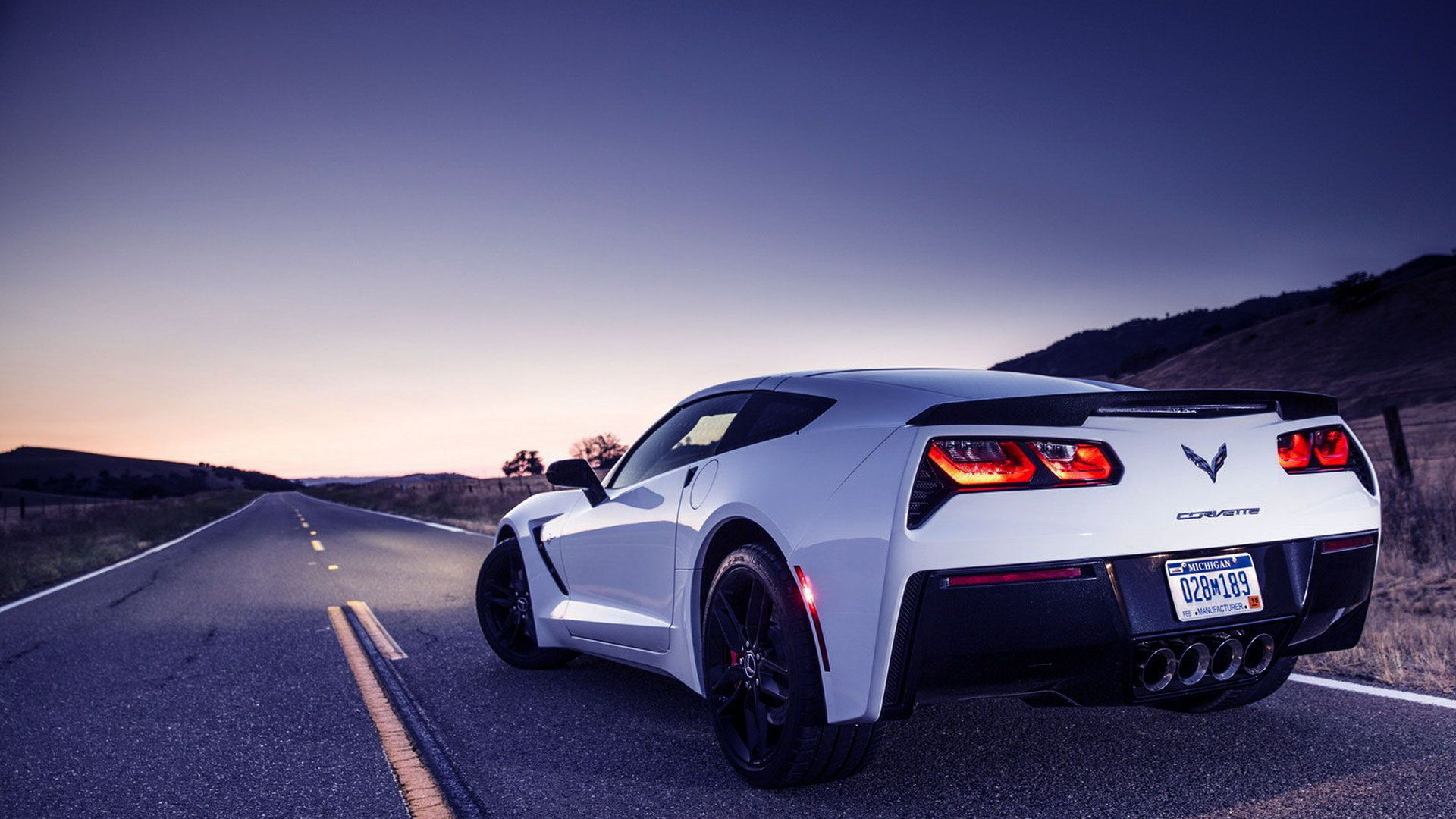 Chevrolet corvette grand sport wallpaper hd car wallpapers 1600 1200 corvette wallpaper 49 wallpapers