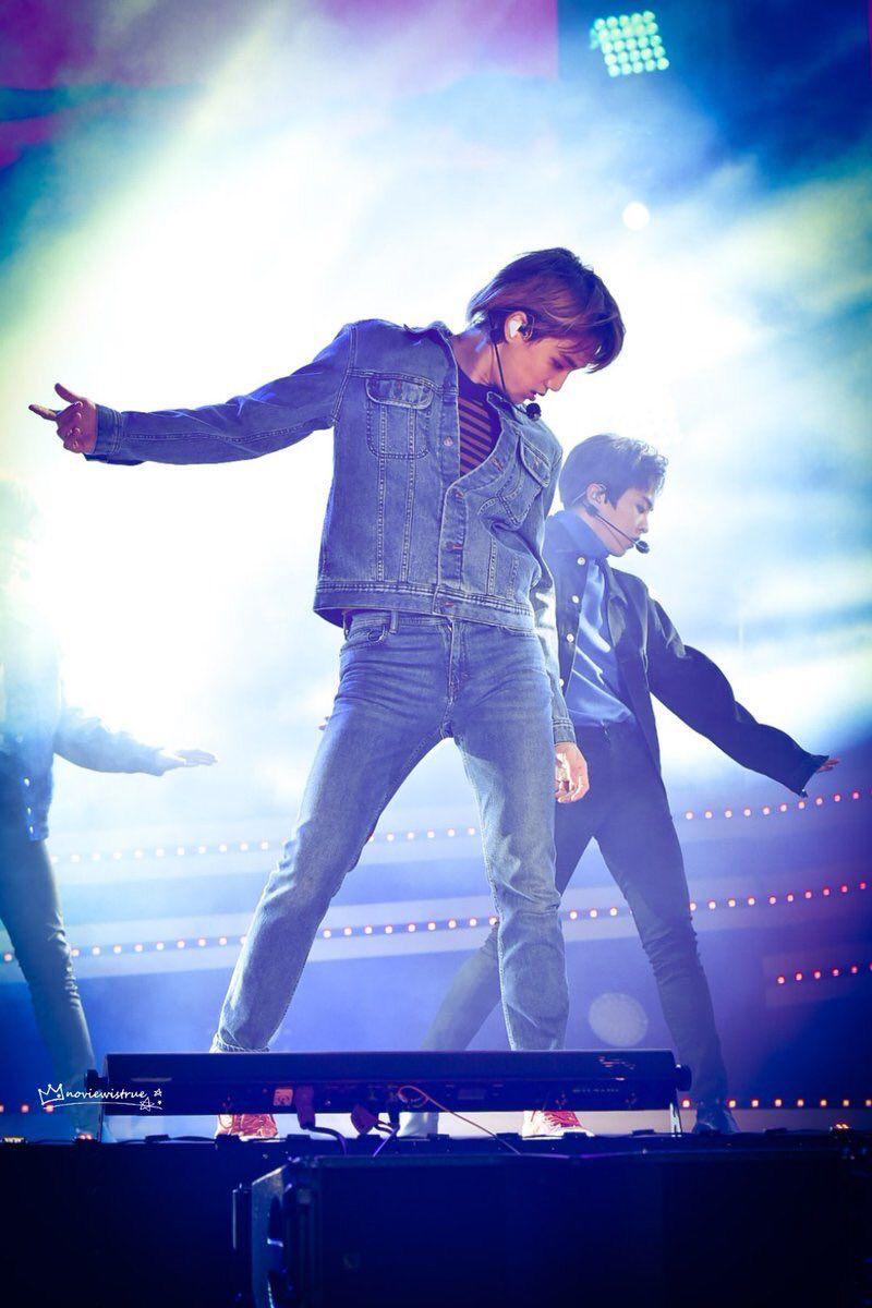We Are One Idols Dancing King Kji Exo Kai Kpop Dancing Jongin Kimjongin Weareoneidols Gambar