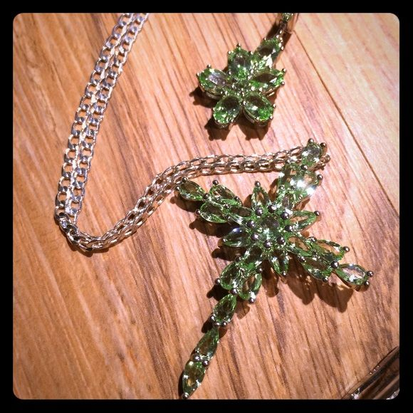 GREEN CRYSTAL SILVER CROSS AND EARRING SET Very pretty cross light green crystals. .925 ss. Matching crystal earrings Jewelry