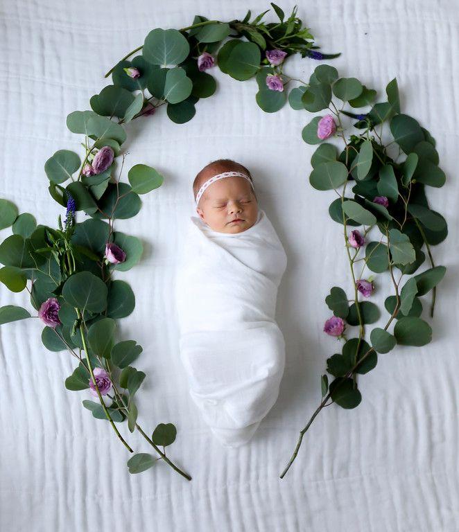 Newborn Photos - Xan's Eye Photography - Xan Craven - Babies - Siblings - Mama and Baby - Flower wreath