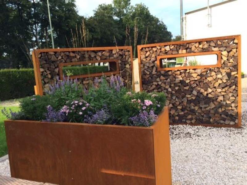 Hochbeet Urban Metall 1 5 M X 1 5 M Hohe 0 7 M Edelrost Hochbeet Gartengestaltung Und Gartenboden