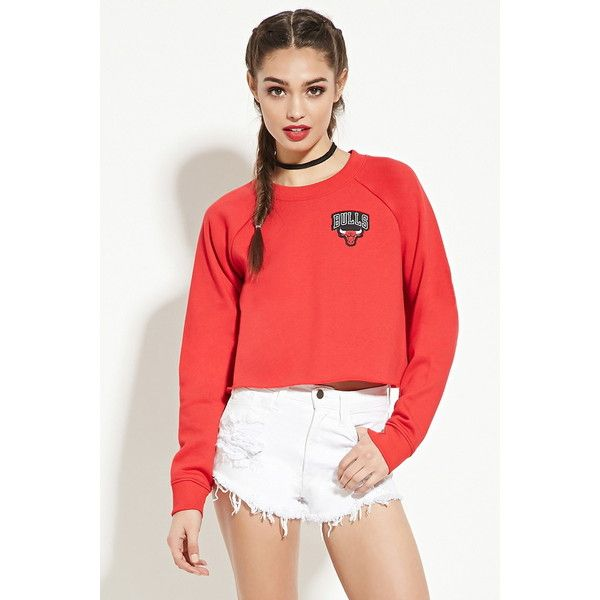 6e3511866684c3 Forever 21 Women s Chicago Bulls Sweatshirt ( 23) ❤ liked on Polyvore  featuring tops