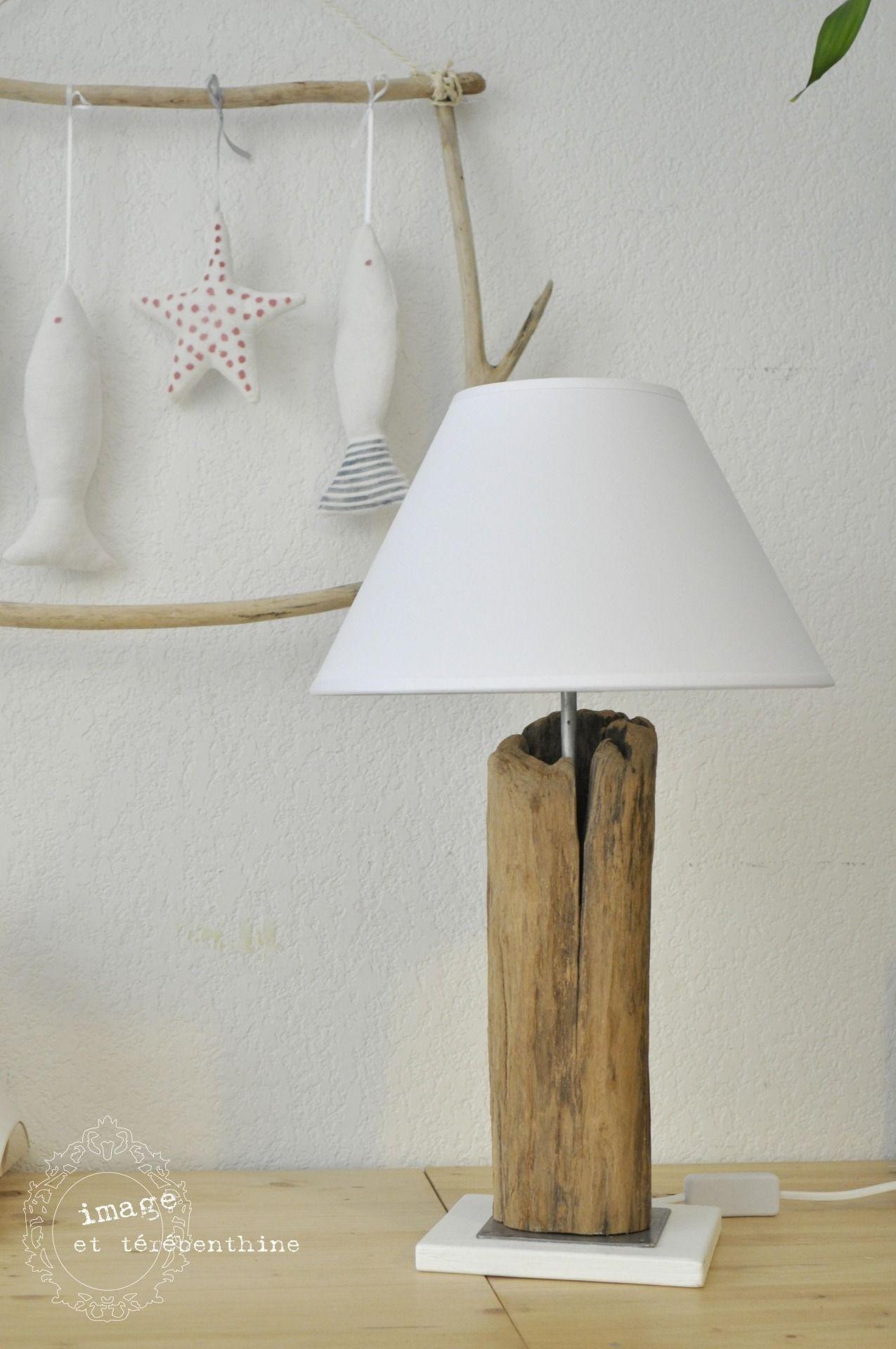 Lampe A Poser En Bois Flotte Sur Socle En Metal Lampe Bois Lampe Bois Flotte