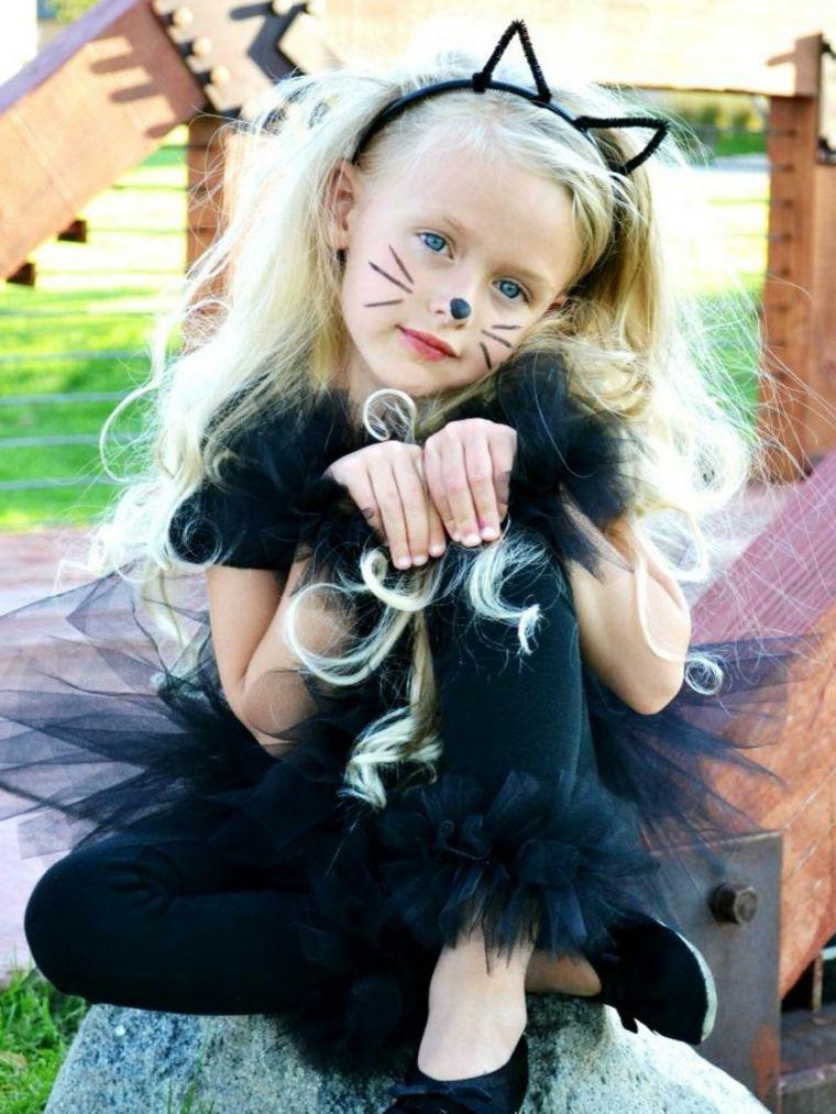 e226748e56 immagini-trucco-halloween-bambini -ragazzina-bionda-viso-gattino-cherchietto-orecchie-vestito-nero-tulle