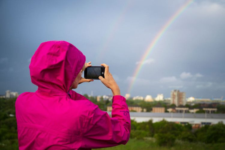 Want To Take Better Smartphone Photos? Try These 10 Tips
