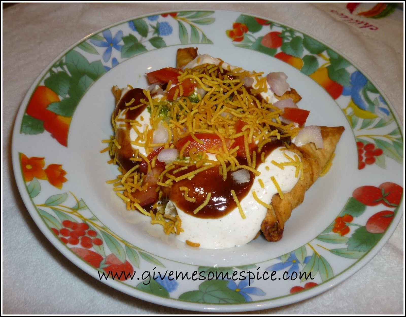 Somasa chaat with yogurt indian snack food samosa chat chaat somasa chaat with yogurt indian snack food samosa chat chaat yoghourt forumfinder Choice Image