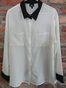 $22.95 Women's Mossimo Cream & Black Button Down Two Front Pocket Shirt Size: XL Free Shipping